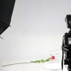 photograhic-studio-dslr-focusing-on-a-rose